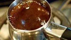 القهوة منشطة ومقيدة لكن غليها لفترة طويلة مضر