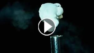 انفجار حبة ذرة وتحولها الى فشار بتصوير مذهل.. فيديو