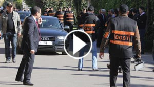 مشتبه يعيد تمثيل جريمة قتل برلماني مغربي وزوجة الضحية متورطة.. فيديو