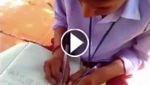مهارة غير عادية لطلاب هنود يكتبون بكلتا اليدين معا.. فيديو