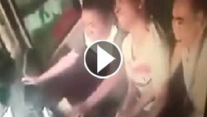واقعة غريبة.. تشاجر مع زوجته فاستشاط غضبا وقلب حافلة ركاب! فيديو