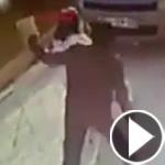 بالفيديو.. لحظة اعتداء رجل على طفلة في الشارع