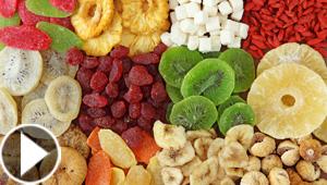 الفواكه المجففة والمكسرات تعزز المناعة وتمد الجسم بالطاقة