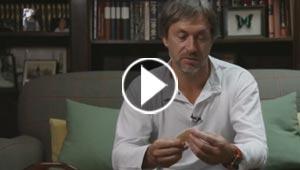 لماذا يجمع أنجح مصممي أبل مئات السكاكين؟ فيديو