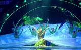 لوحة فنية من الرقص الرئع بمشاركة عدد كبير من الفتيات