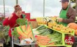 تحذير هام من بائع الخضراوات والناس مندهشة