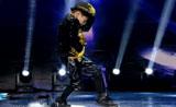 شون بيرموديز يؤدي رقصة بقمة الروعه ببرنامج المواهب - الصين