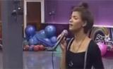 اميمة طالب تغني للام اغنية مؤثرة