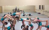 توازن رائع ومذهل مع رقص البالية